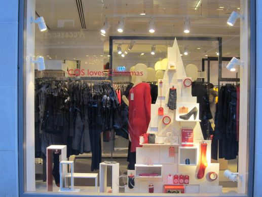 Outlet Weihnachtsdeko.Schaufenster Weihnachtsdeko Light Bei Cos