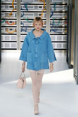 Denim-Zelt. Chanel