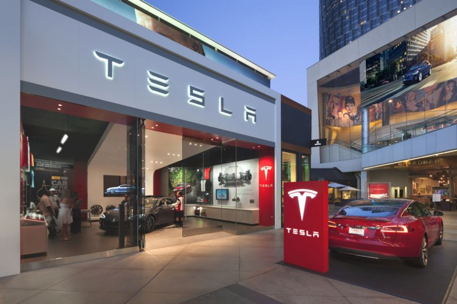 Tesla, Los Angeles Century City, Mapic Awards 2016 Finalists - Retailer of the Year