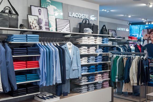 new arrival 4b6c0 e03d7 Läden: Store des Tages: Lacoste in Köln und Frankfurt