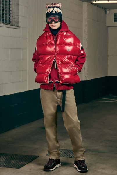 Fashion Outerwear at its best. Moncler hat die Story zur Daunenjacke und belegt Rang vier.