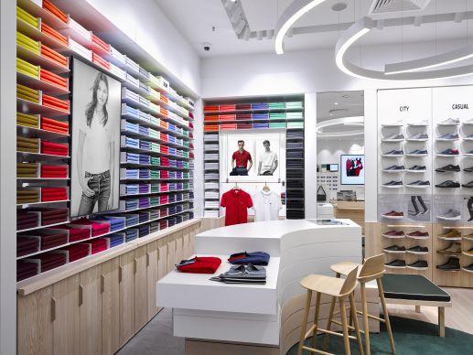 super popular 6ca6f 9bb9f Store-Design: Lacoste zeigt neues Konzept erstmals in Oberhausen