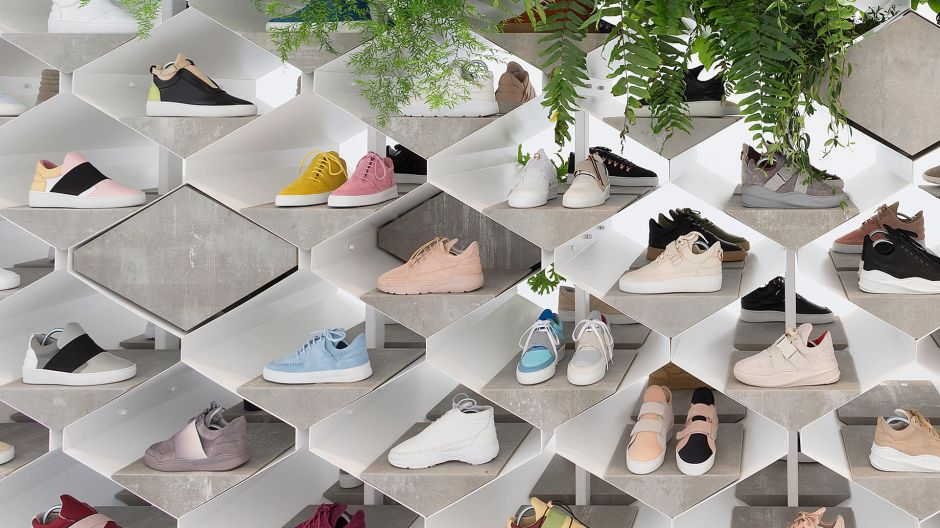 Beton-Monument. Filling Pieces