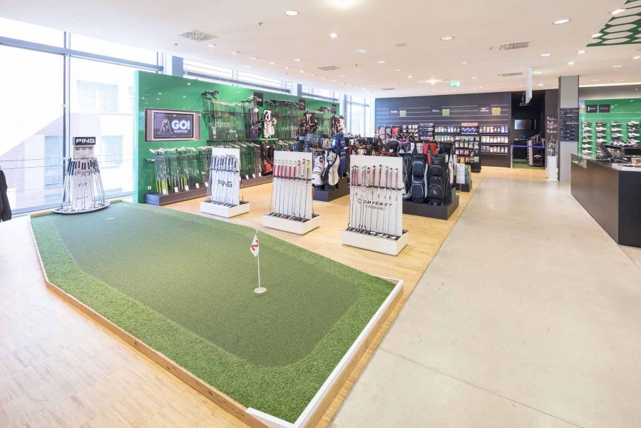 Golf-Green bei Engelhorn Sports