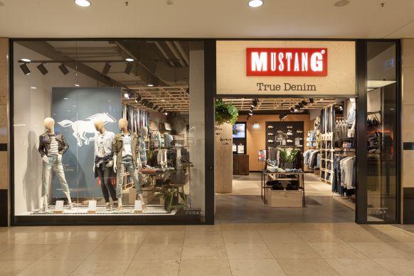 new arrival 359c0 eb268 Storedesign: Mustang rollt neues Ladenbaukonzept aus