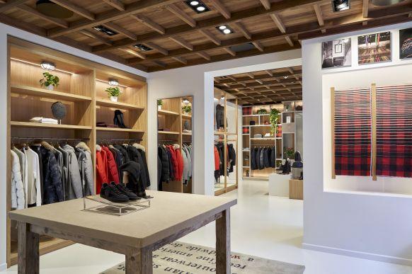 finest selection 56c82 a588e Re-Design: Woolrich in München wird zum Experience Store