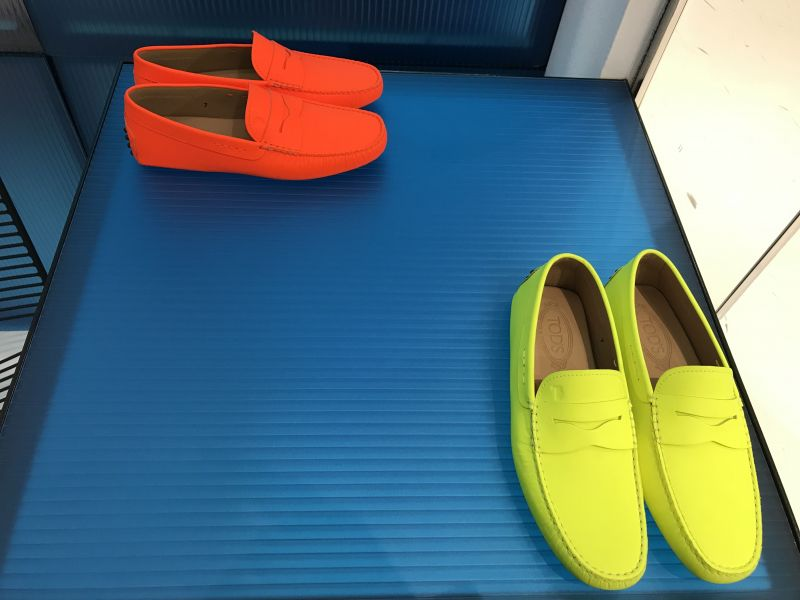 Tod's goes Neon