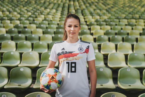 Frauenfußball WM: Adidas: Männer Prämien und Frauen Trikots