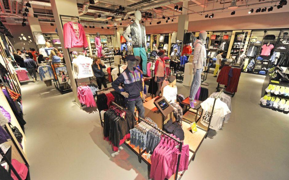 771891feb6cd70 Unternehmen  Adidas Neo eröffnet ersten deutschen Store in Hamburg