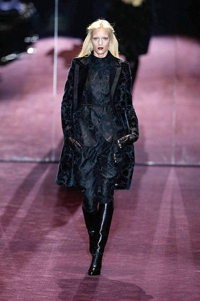 e274b8b30d9b9 Catwalk  Mailand Fashion Week  Die Luxusladys aus Italien