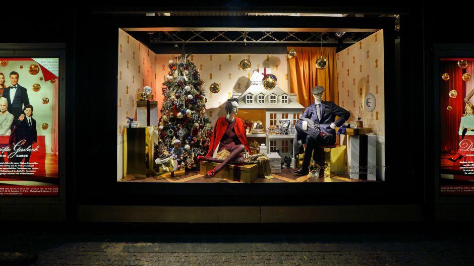 weihnachten beim kadewe. Black Bedroom Furniture Sets. Home Design Ideas
