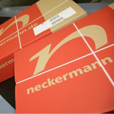 Neckermann-Pakete