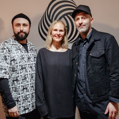 Die Gewinner des International Woolmark Prize 2019: Edward Crutchley (links) sowie Nicole und Michael Colovos