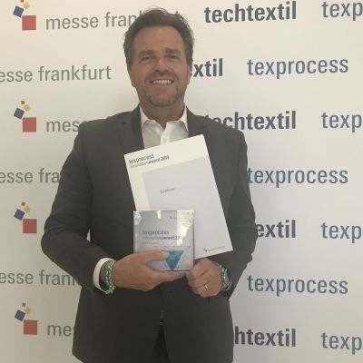 Holger Max Lang, President, Northern & Eastern Europe, Middle East, Lectra, hat den Texprocess Innovation Award entgegengenommen.