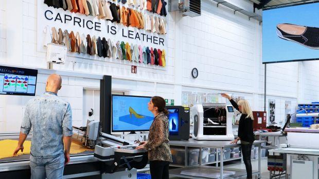 quality design 00085 037fb Automatisierung der Schuhproduktion : Caprice nimmt digitale ...