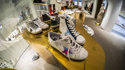 Golden Goose Superstar Sneakers bei Barneys New York