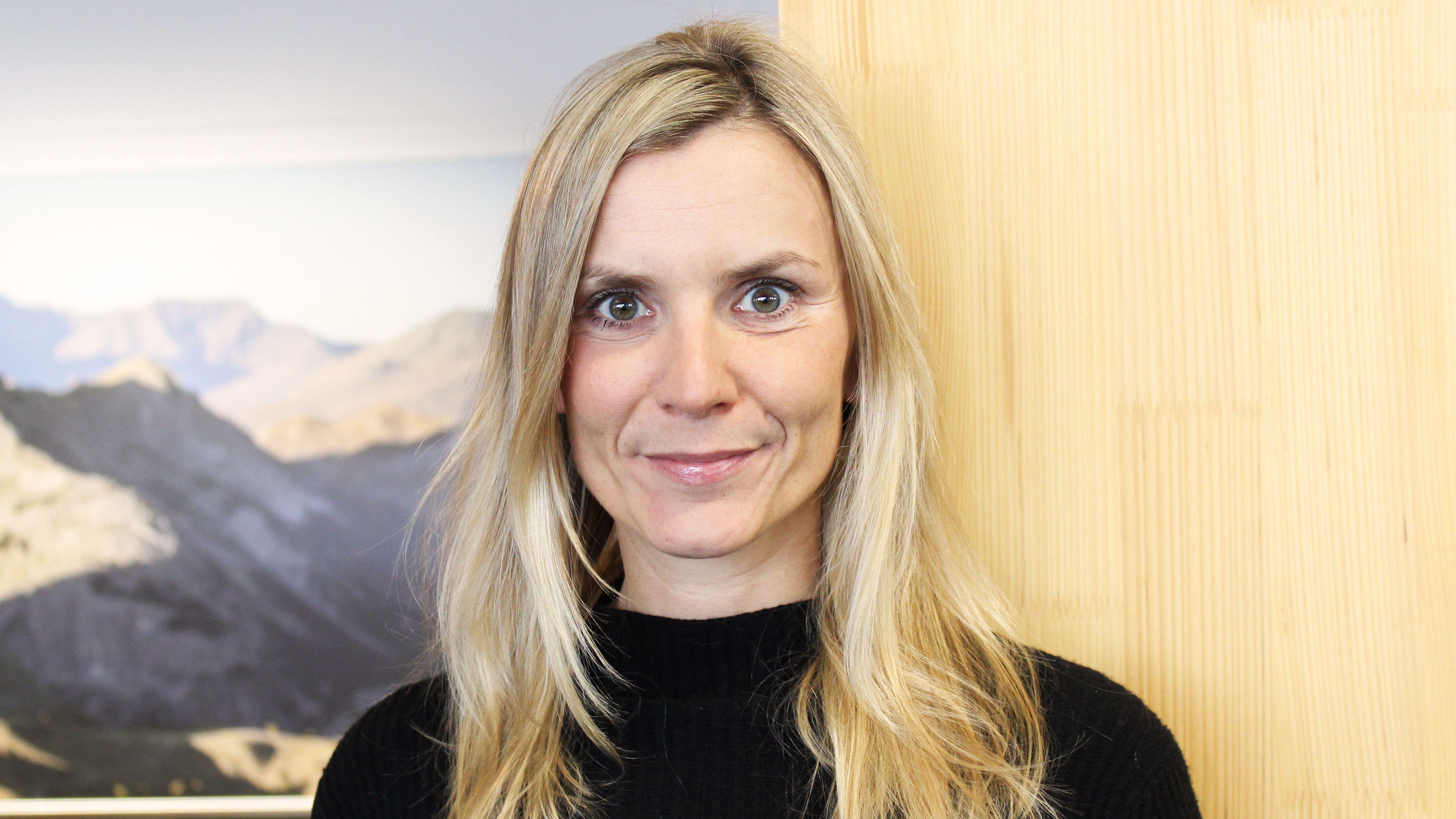 TW-100-Sara-Hallbauer-Head-of-Marketing-Bergzeit-Klettern-im-Wohnzimmer