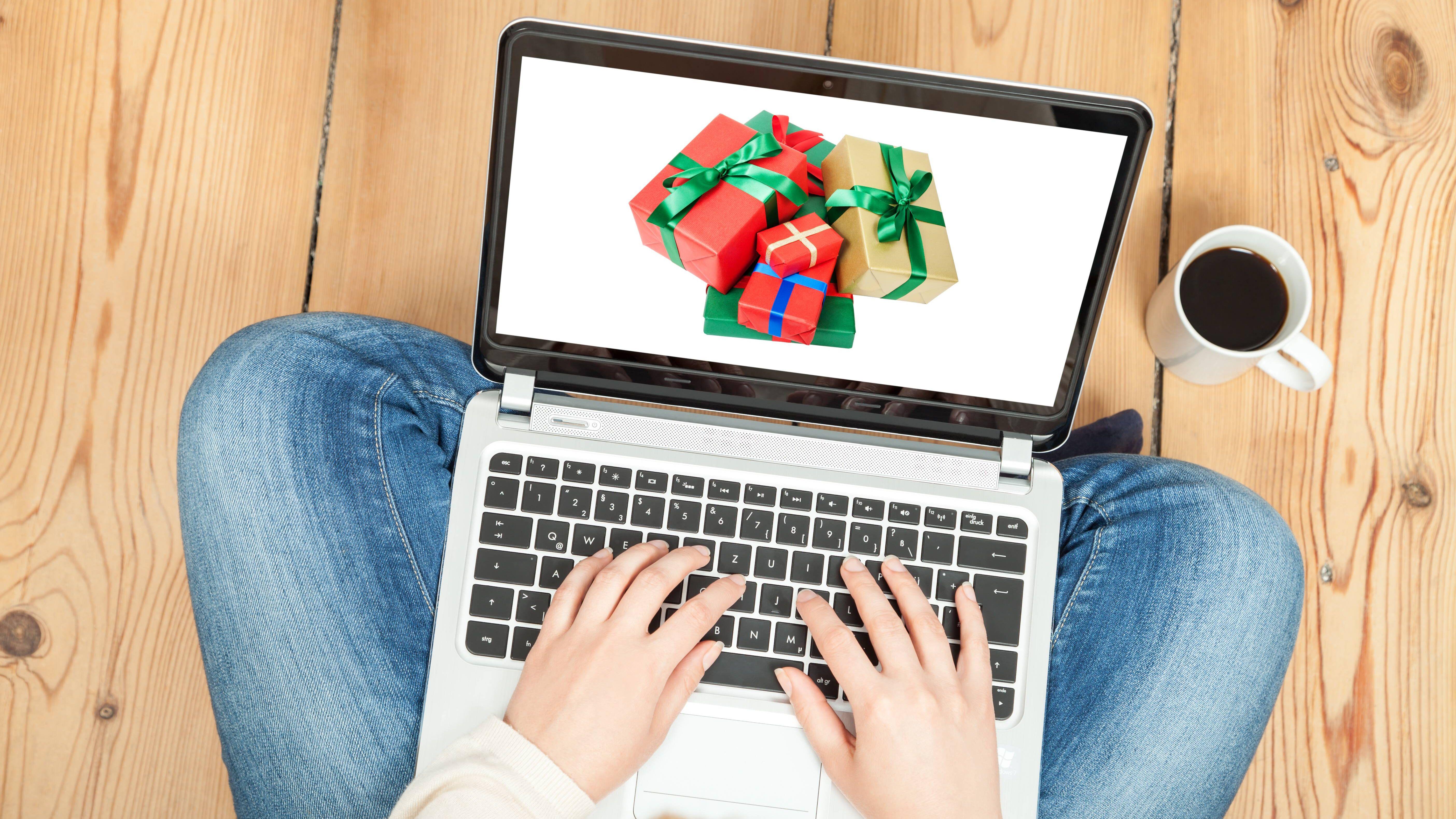 Salesforce-ver-ffentlicht-Holiday-Shopping-Report-2020-Online-Weihnachtsgesch-ft-w-chst-um-50-