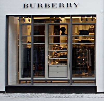 Burberry stärkt den Bereich Customer Insight.