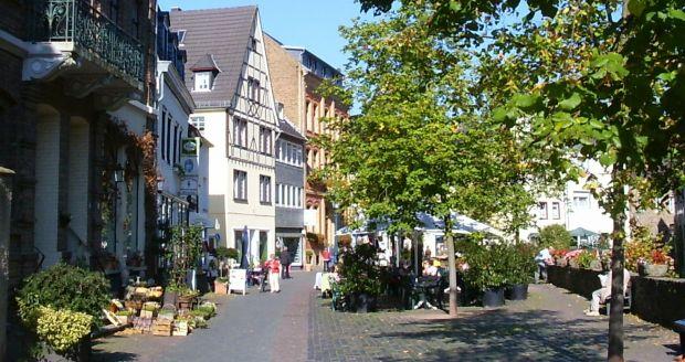 schöne Schuhe elegantes und robustes Paket elegant und anmutig Standorte: Bad Münstereifel wird zur Outlet-City