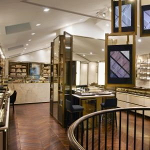 BURBERRY_COVENT_GARDEN_STORE_INTERIOR.jpg