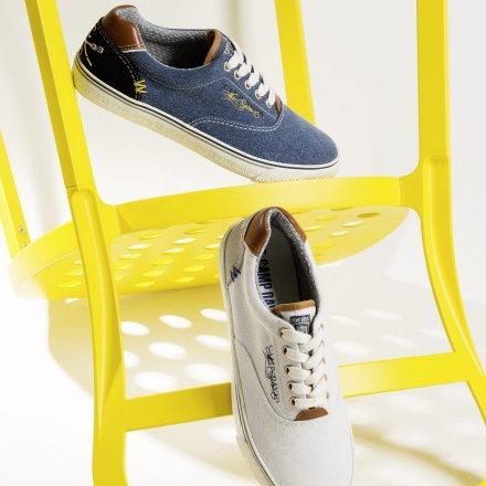 trends canvas sneaker steigen zu topsellern auf. Black Bedroom Furniture Sets. Home Design Ideas
