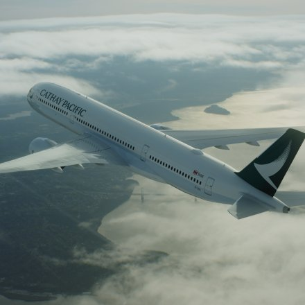 Net-a-Porter hebt mit Cathay Pacific ab