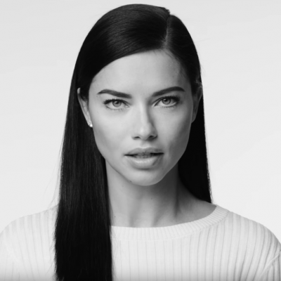 "Model Adriana Lima im ""I am an immigrant""-Video"