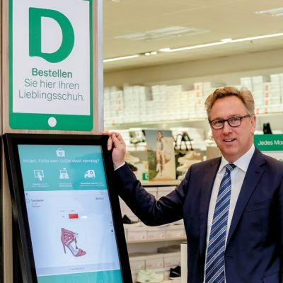 Heinrich Deichmann am Terminal in Essener Omnichannel-Testfiliale