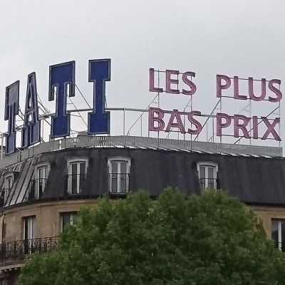 Logo des Discounters Tati in Paris
